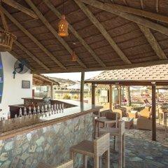 Отель The Cove Rotana Resort гостиничный бар