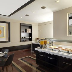Отель Holiday Suites питание фото 2