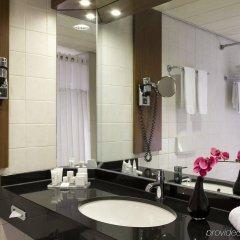 Отель Crowne Plaza Amsterdam Schiphol Нидерланды, Хофддорп - отзывы, цены и фото номеров - забронировать отель Crowne Plaza Amsterdam Schiphol онлайн ванная