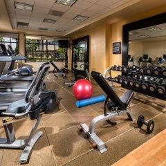 Отель DoubleTree by Hilton Carson фитнесс-зал фото 3
