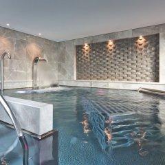Отель Four Seasons Hotel Geneva Швейцария, Женева - отзывы, цены и фото номеров - забронировать отель Four Seasons Hotel Geneva онлайн бассейн