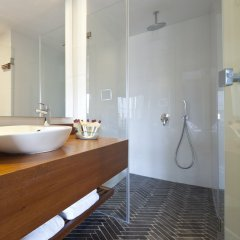 The Rothschild Hotel - Tel Avivs Finest Израиль, Тель-Авив - отзывы, цены и фото номеров - забронировать отель The Rothschild Hotel - Tel Avivs Finest онлайн ванная фото 2