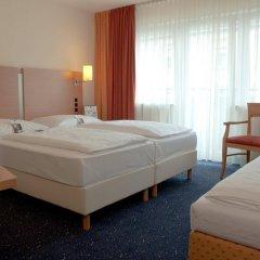 Favored Hotel Plaza комната для гостей