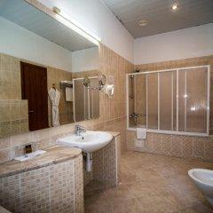 Шаляпин Палас Отель ванная фото 2
