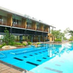 Отель Nature Lovers Inn Horana бассейн