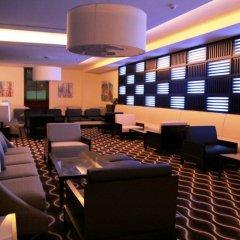 Отель Holiday Inn Express Dubai Airport ОАЭ, Дубай - - забронировать отель Holiday Inn Express Dubai Airport, цены и фото номеров развлечения