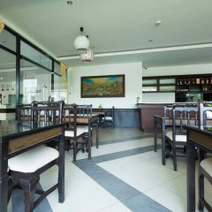 Отель Chatkaew Hill and Residence гостиничный бар
