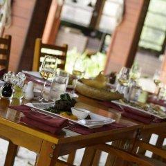 Отель Furaveri Island Resort & Spa Мальдивы, Медупару - отзывы, цены и фото номеров - забронировать отель Furaveri Island Resort & Spa онлайн гостиничный бар
