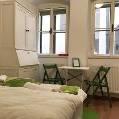 Апартаменты Royal View Apartments Прага комната для гостей фото 2