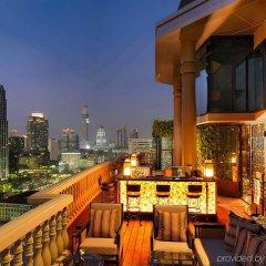 Отель Muse Bangkok Langsuan - Mgallery Collection Бангкок балкон