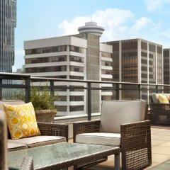 Отель Le Soleil by Executive Hotels Канада, Ванкувер - отзывы, цены и фото номеров - забронировать отель Le Soleil by Executive Hotels онлайн балкон