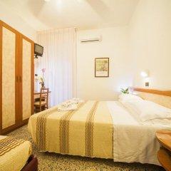 Hotel Lily Римини комната для гостей фото 4