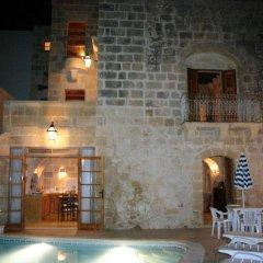 Отель Dar Guzeppa Farmhouse бассейн