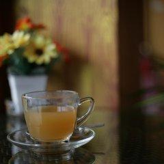 Отель Cafe' 66 House @ Patong Beach гостиничный бар