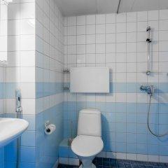 Отель WeHost Klaavunpolku 2 Финляндия, Хельсинки - отзывы, цены и фото номеров - забронировать отель WeHost Klaavunpolku 2 онлайн ванная