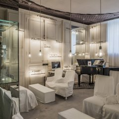Отель La Maison Champs Elysees Париж интерьер отеля фото 2