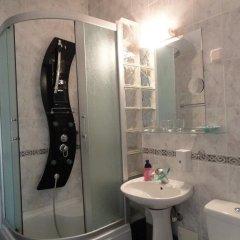 Отель Sun Rose Apartments Черногория, Свети-Стефан - отзывы, цены и фото номеров - забронировать отель Sun Rose Apartments онлайн ванная