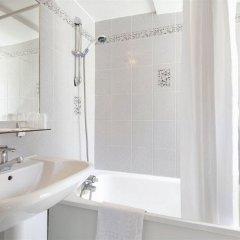 Отель Hôtel Saint Roch ванная