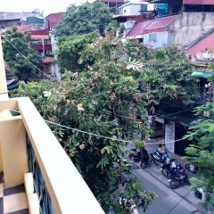 Hanoi Pearl Hostel балкон