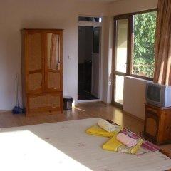 Отель Zora Guest House Бургас комната для гостей фото 2