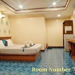 Отель Phaithong Sotel Resort сейф в номере