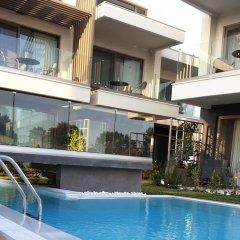 Отель Serenity Suites бассейн