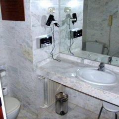 Отель Husa Pedralbes Испания, Барселона - отзывы, цены и фото номеров - забронировать отель Husa Pedralbes онлайн ванная