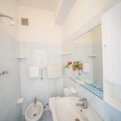 Отель Rinaldi Hotel Италия, Римини - отзывы, цены и фото номеров - забронировать отель Rinaldi Hotel онлайн ванная