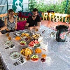 Отель Happy Nomads Yurt Camp Кыргызстан, Каракол - отзывы, цены и фото номеров - забронировать отель Happy Nomads Yurt Camp онлайн питание фото 2