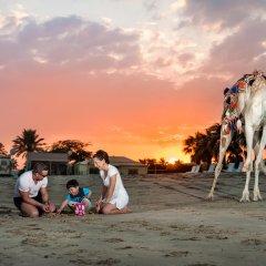 Отель Sealine Beach - a Murwab Resort Катар, Месайед - отзывы, цены и фото номеров - забронировать отель Sealine Beach - a Murwab Resort онлайн пляж