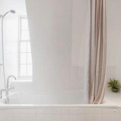 Отель Roomspace Apartments -Groveland Court Великобритания, Лондон - отзывы, цены и фото номеров - забронировать отель Roomspace Apartments -Groveland Court онлайн ванная