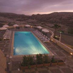 Отель Crowne Plaza Resort Petra Иордания, Вади-Муса - отзывы, цены и фото номеров - забронировать отель Crowne Plaza Resort Petra онлайн бассейн фото 2