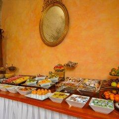 Отель Josephine Old Town Square Hotel Чехия, Прага - отзывы, цены и фото номеров - забронировать отель Josephine Old Town Square Hotel онлайн питание