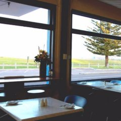 Отель Esperance Beachfront Resort гостиничный бар