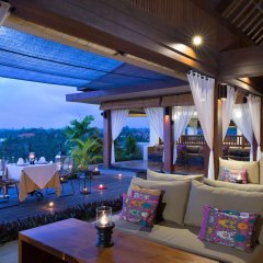 Ubud Village Hotel гостиничный бар