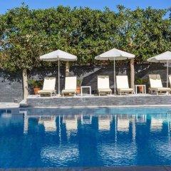 Santellini Hotel бассейн