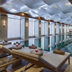 Отель DoubleTree by Hilton Istanbul Topkapi бассейн фото 2