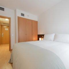 Отель Tryp Madrid Airport Suites комната для гостей фото 3