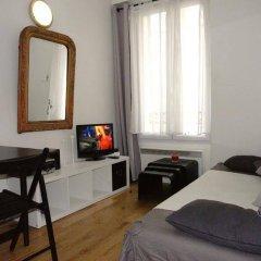 Отель Constance - Paris Montmartre Франция, Париж - отзывы, цены и фото номеров - забронировать отель Constance - Paris Montmartre онлайн комната для гостей