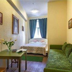 Отель Жилое помещение Друзья у Эрмитажа Санкт-Петербург комната для гостей фото 2