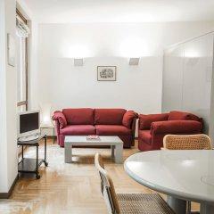 Апартаменты San Maurilio Apartments Милан комната для гостей фото 4