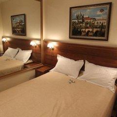 Гостиница Злата Прага Украина, Запорожье - отзывы, цены и фото номеров - забронировать гостиницу Злата Прага онлайн комната для гостей фото 4