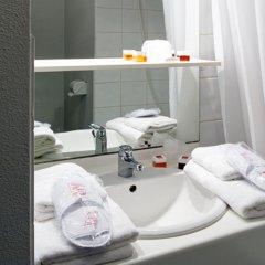 Отель Sejours & Affaires Paris-Ivry Франция, Иври-сюр-Сен - 4 отзыва об отеле, цены и фото номеров - забронировать отель Sejours & Affaires Paris-Ivry онлайн ванная