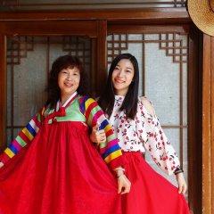 Отель Sodam Hanok Guesthouse Южная Корея, Сеул - 1 отзыв об отеле, цены и фото номеров - забронировать отель Sodam Hanok Guesthouse онлайн развлечения