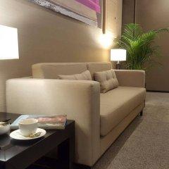 Отель Dominic & Smart Luxury Suites Republic Square в номере