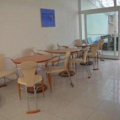 Отель Africana Болгария, Свети Влас - отзывы, цены и фото номеров - забронировать отель Africana онлайн питание фото 2