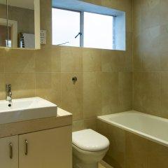 Отель 3 Bedroom House In Bayswater Лондон ванная