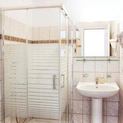 Отель Fiorella Sea View ванная фото 2