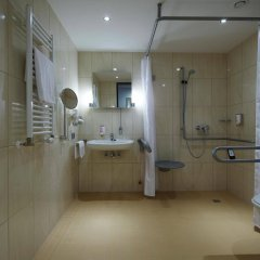 Отель Intercityhotel Berlin-Brandenburg Airport ванная фото 2