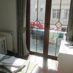 Отель La Petite Maison балкон